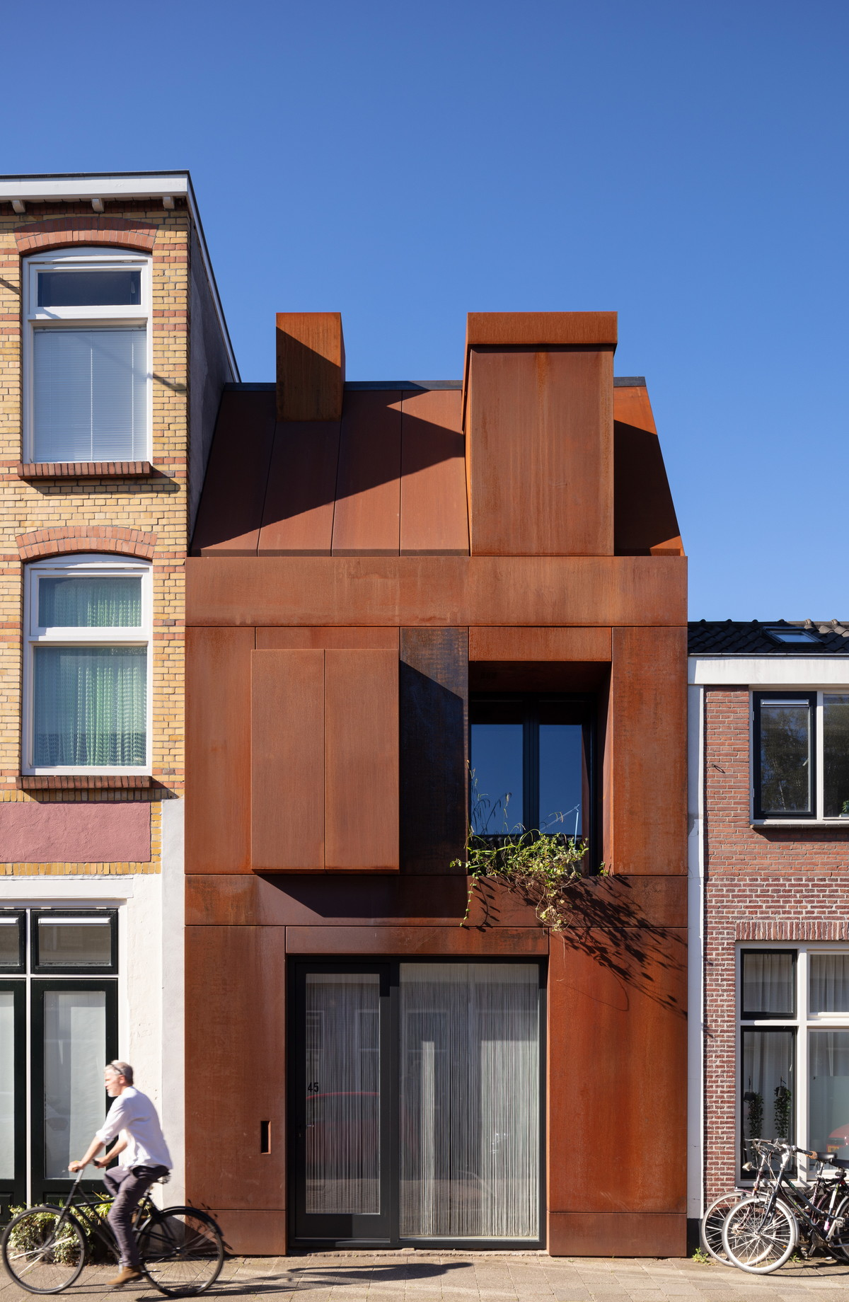 01-Zecc_Architecten-Utrecht-house-steel-craft.JPG
