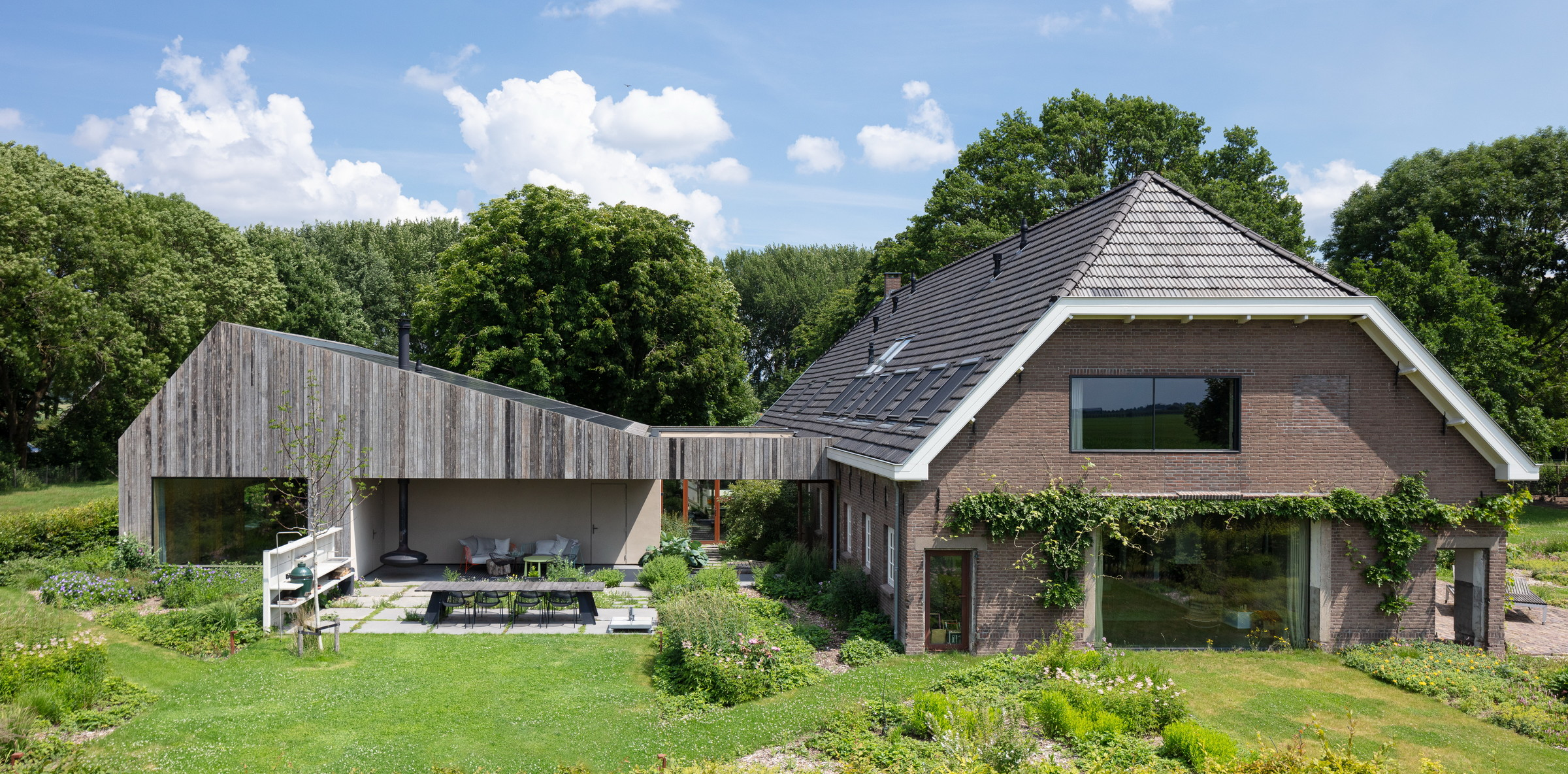 05-Zecc_Architecten-Farm_house-Utrecht-wood-concret.JPG