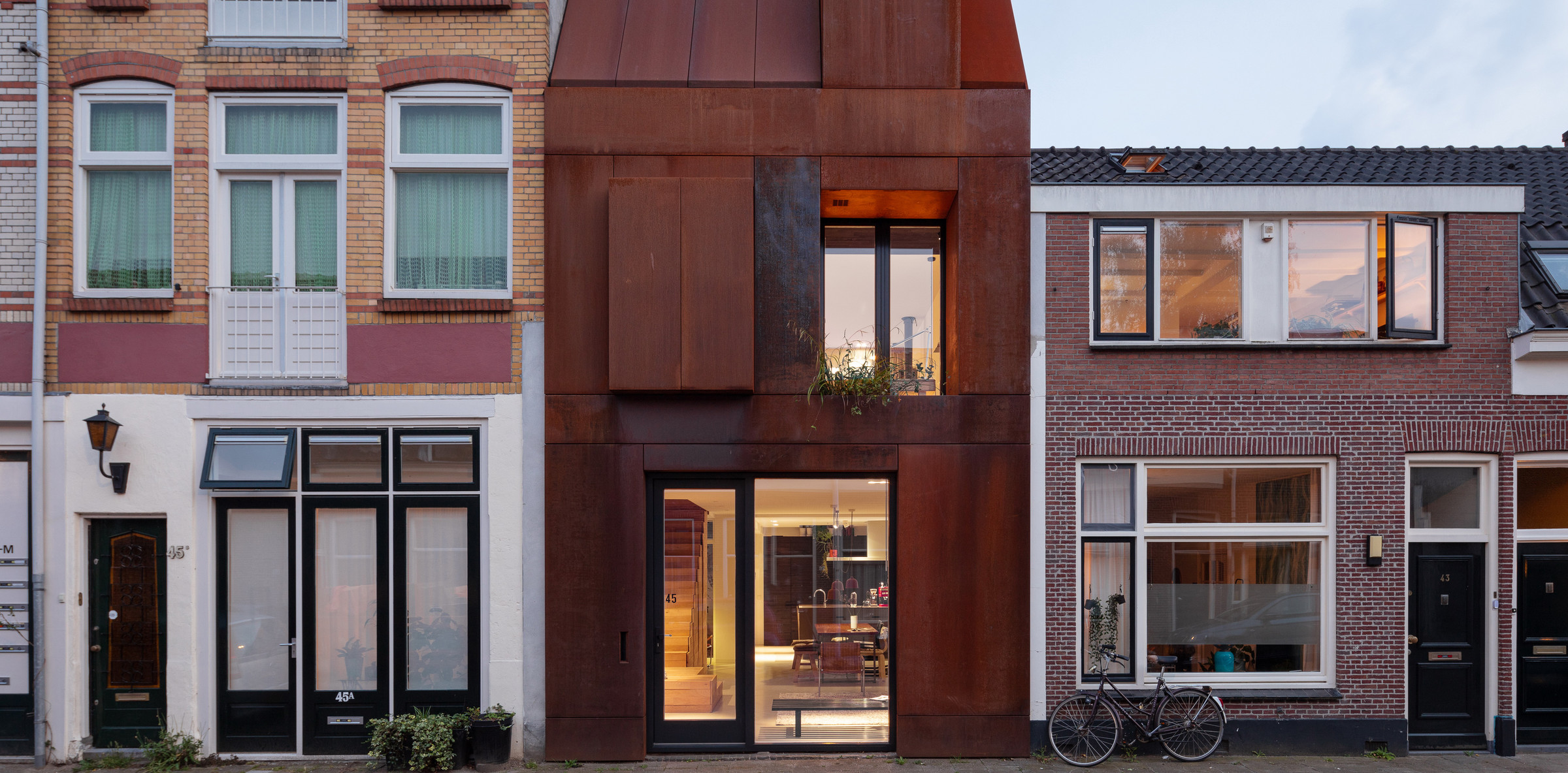 31-Zecc_Architecten-Utrecht-house-steel-craft.JPG