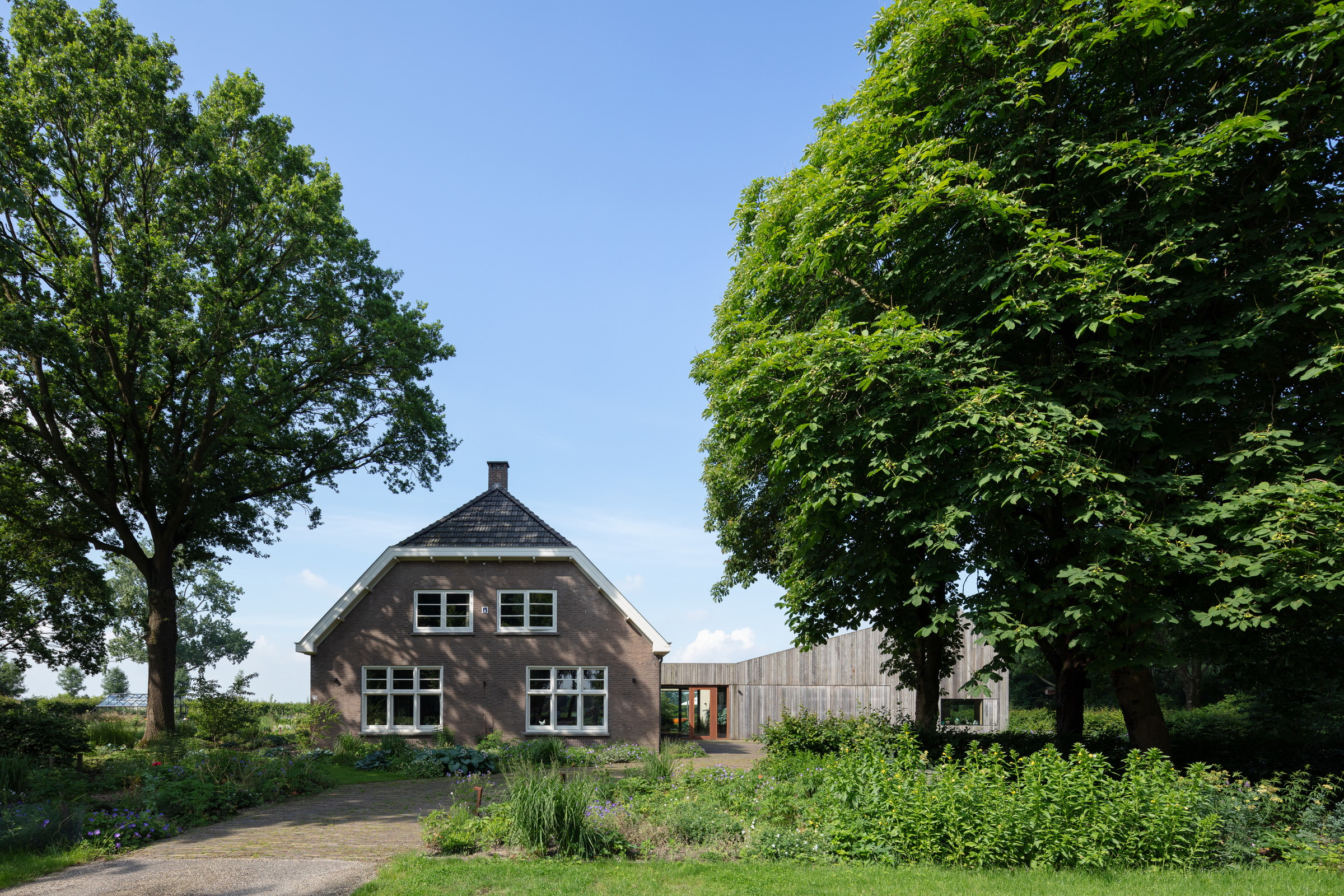06-Zecc_Architecten-Farm_house-Utrecht-wood-concret.JPG
