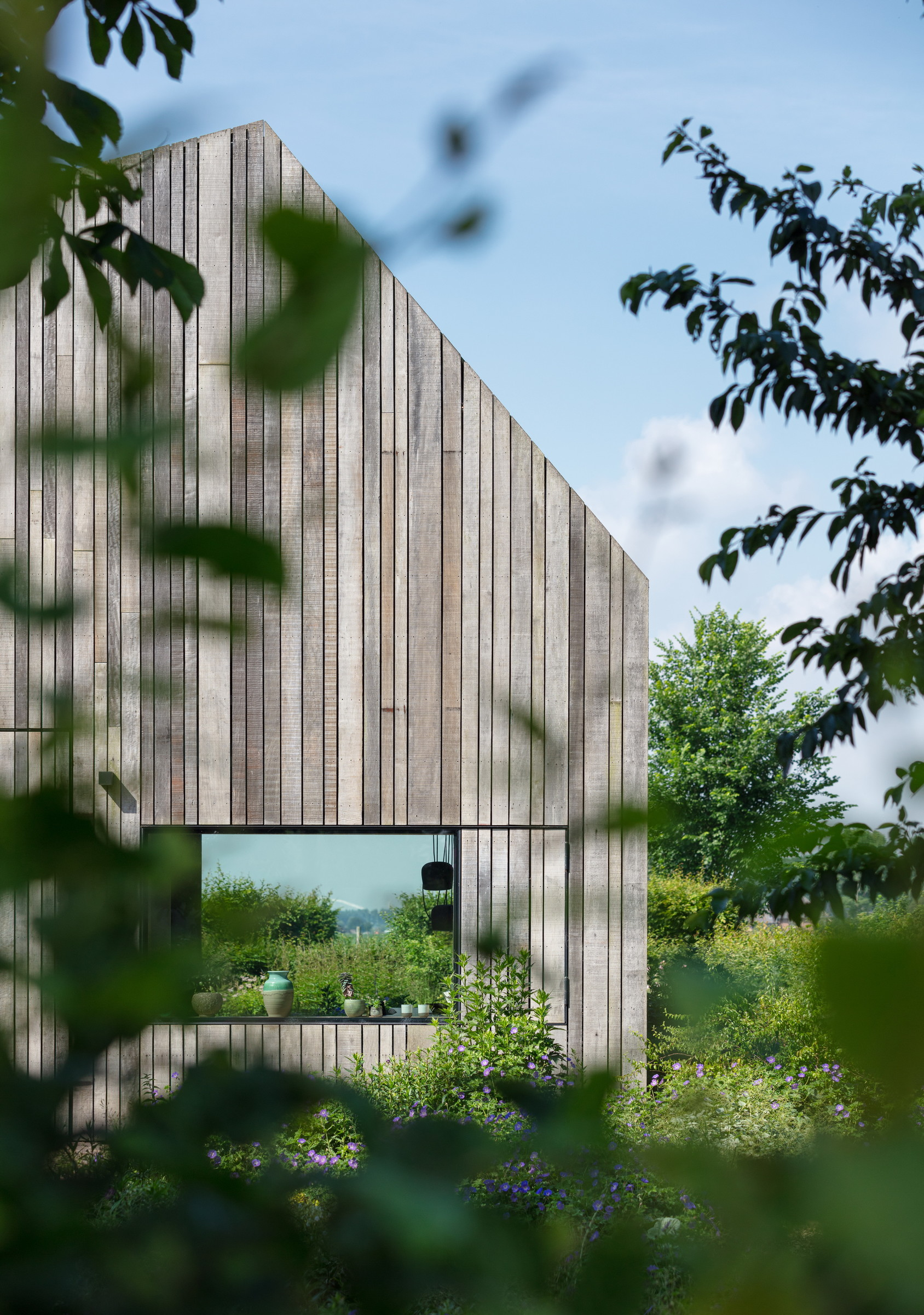 08-Zecc_Architecten-Farm_house-Utrecht-wood-concret.JPG