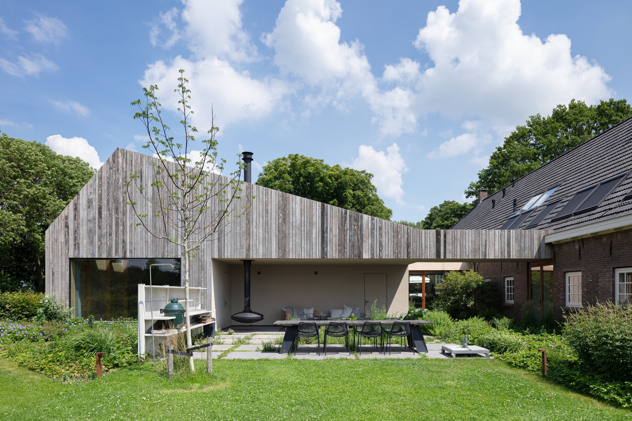 11-Zecc_Architecten-Farm_house-Utrecht-wood-concret.JPG