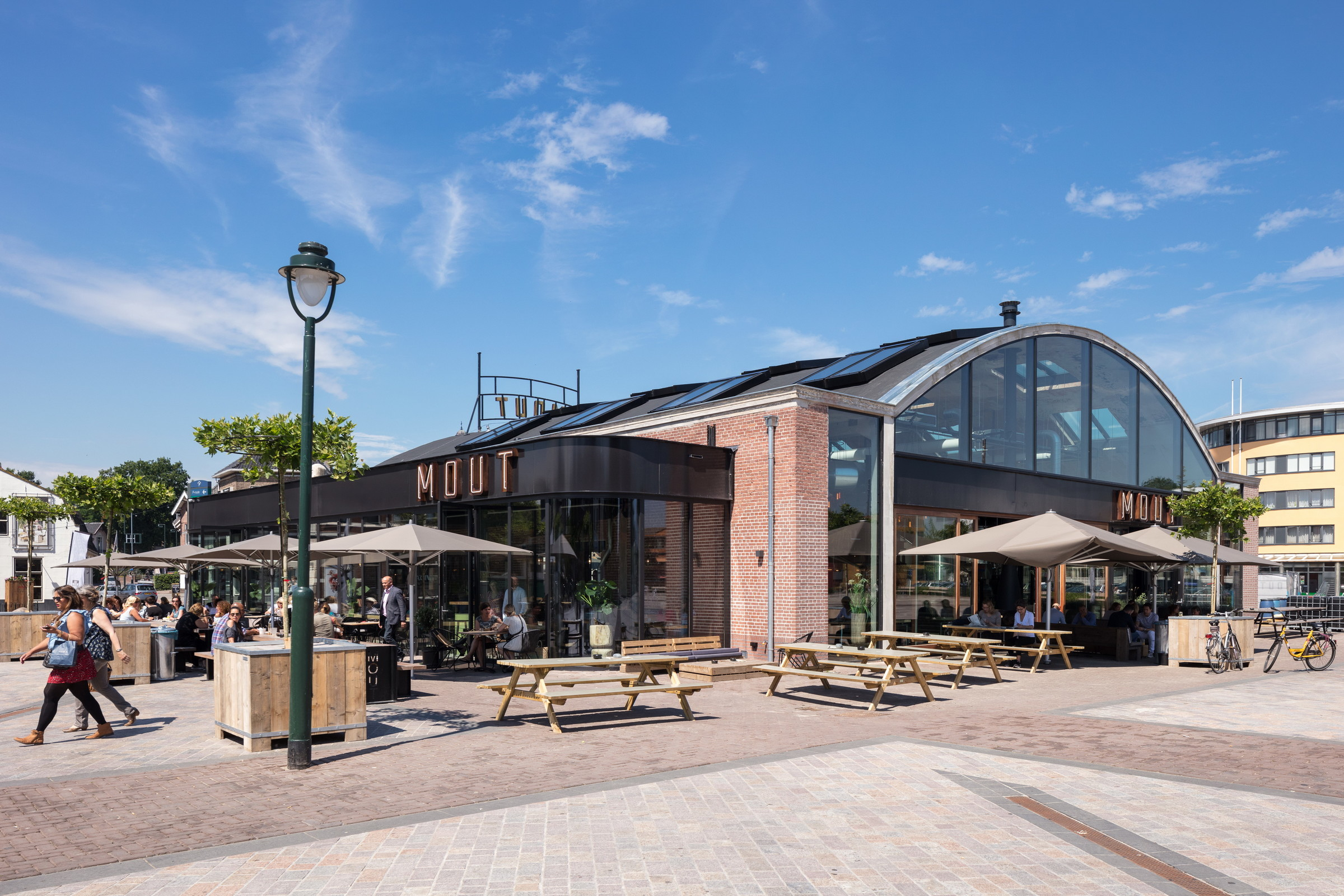 Food Hall Mout With Beer Brewery Zecc Architecten