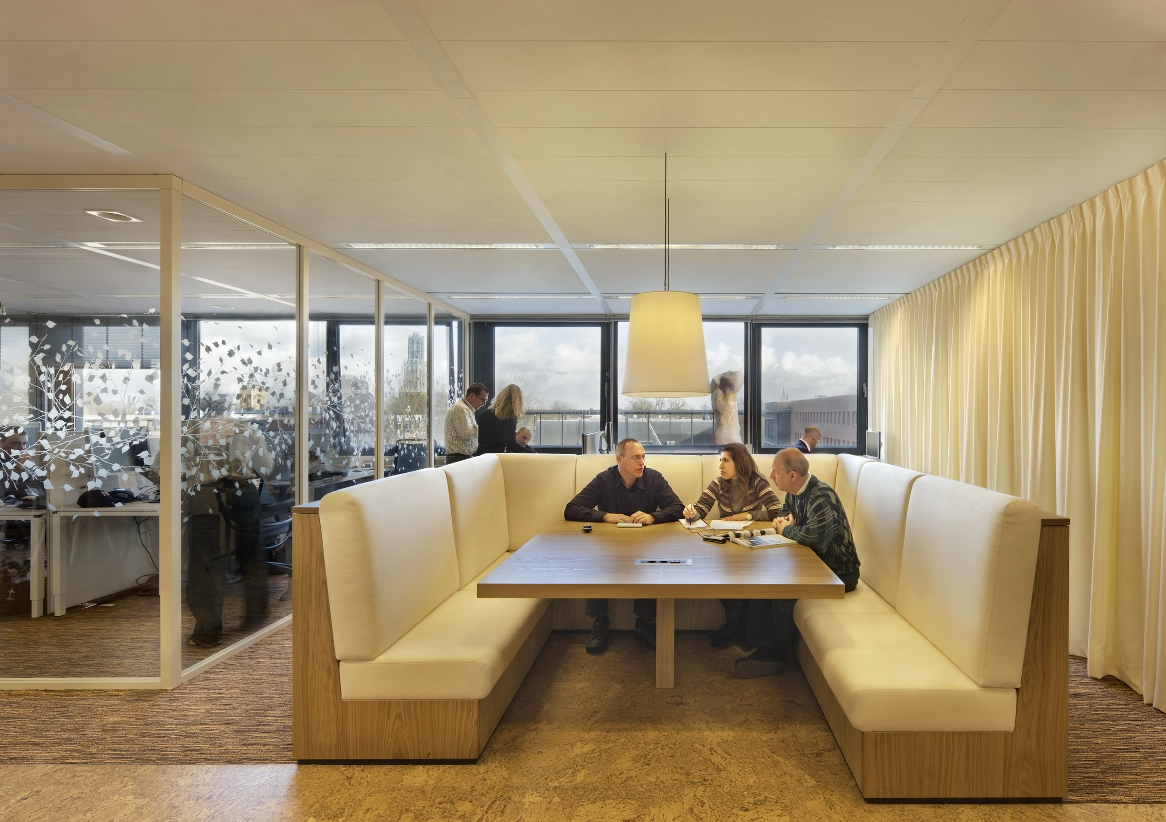 Belastingsdienst utrecht zecc architecten for Kantoor interieur ideeen