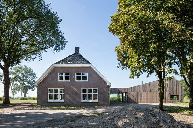 Farm house Utrecht-Zecc Architecten-wood-concrete-rusted steel 01